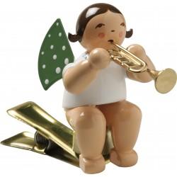 Engel auf Klemme mit Trompete