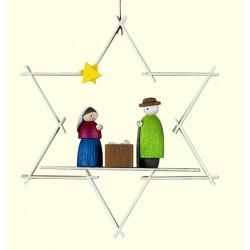 Stern mit Maria und Josef