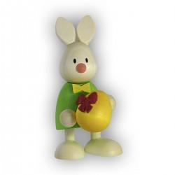 Kaninchen Max mit großem Ei