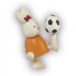 Kaninchen Emma mit Fußball
