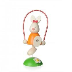 Kaninchen Emma mit Springseil