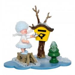 Schneeflöckchen am Briefkasten