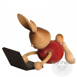Stupsi Hase mit Laptop