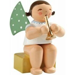 Engel klein, sitzend mit Flöte